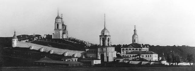 Рис. 3. Фотография монастырского комплекса с запада (начало 20 века)